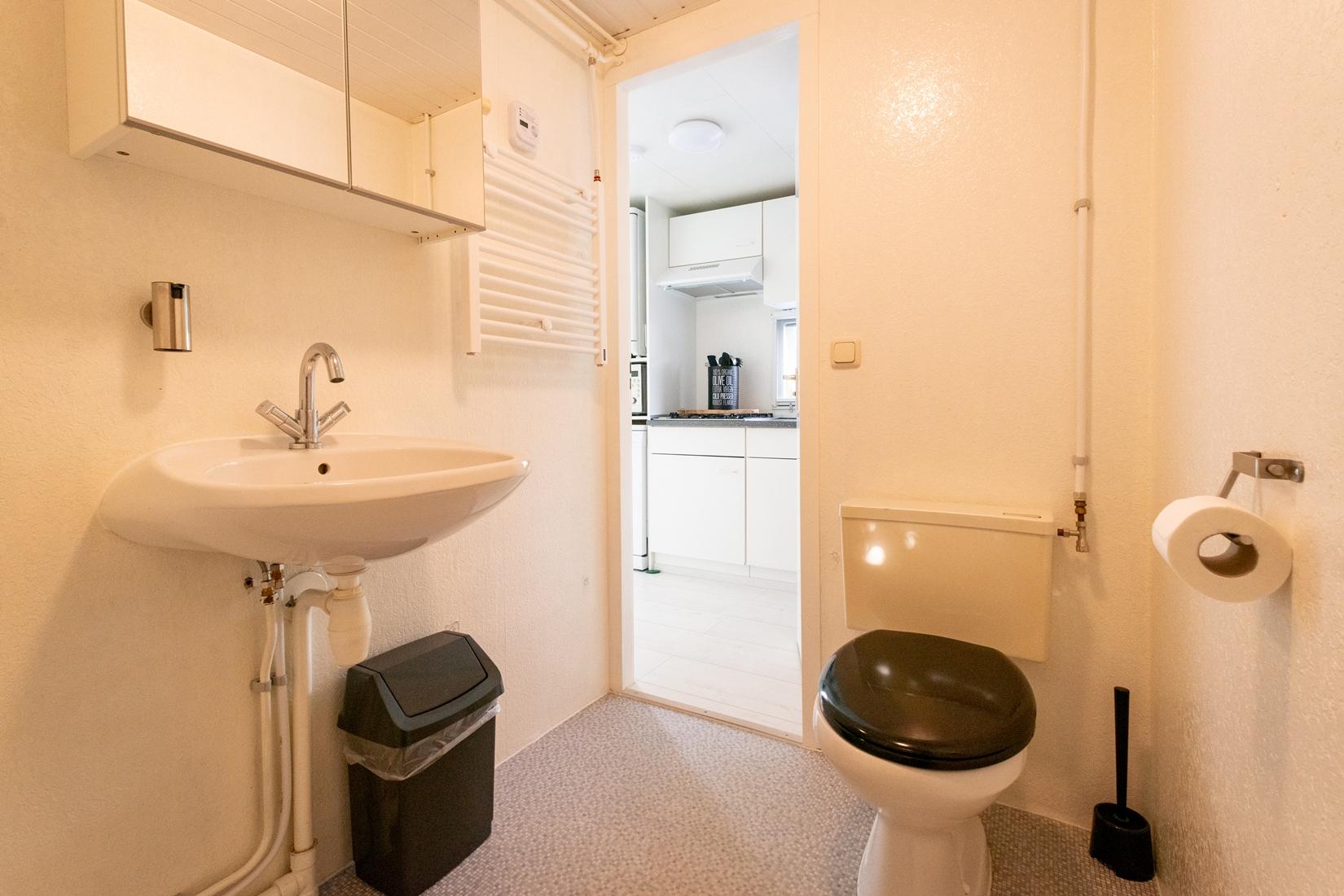 chalet-gestrand-interieur-badkamer